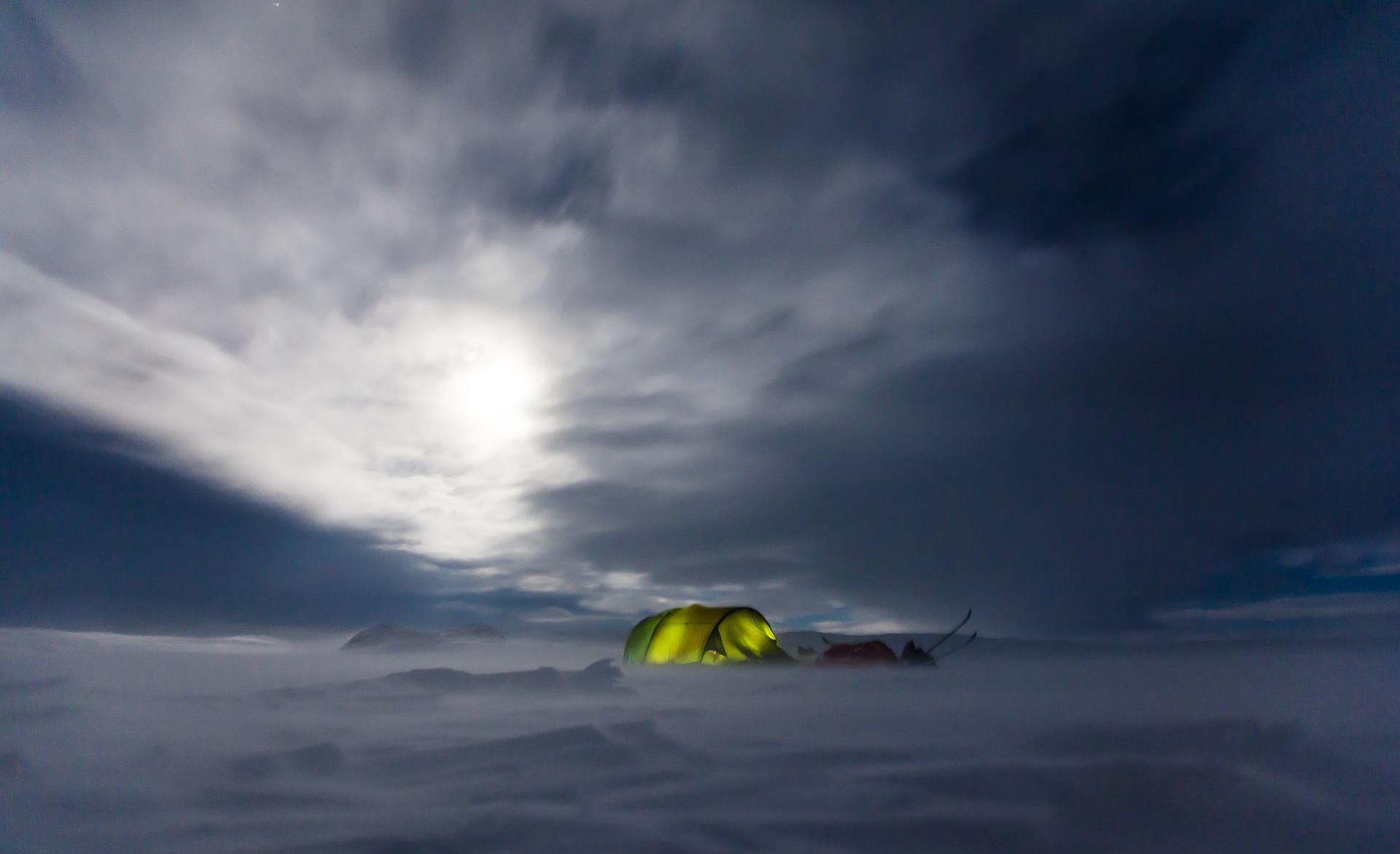 Zelt in der Wildnis